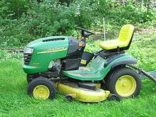 220px-John_Deere_lawn_mower